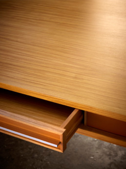Bureau détail tiroir